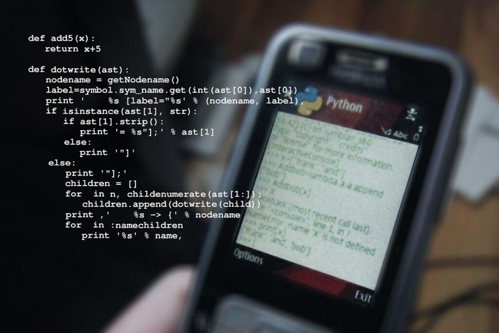 Come iniziare a scrivere codice in Python: software a confronto